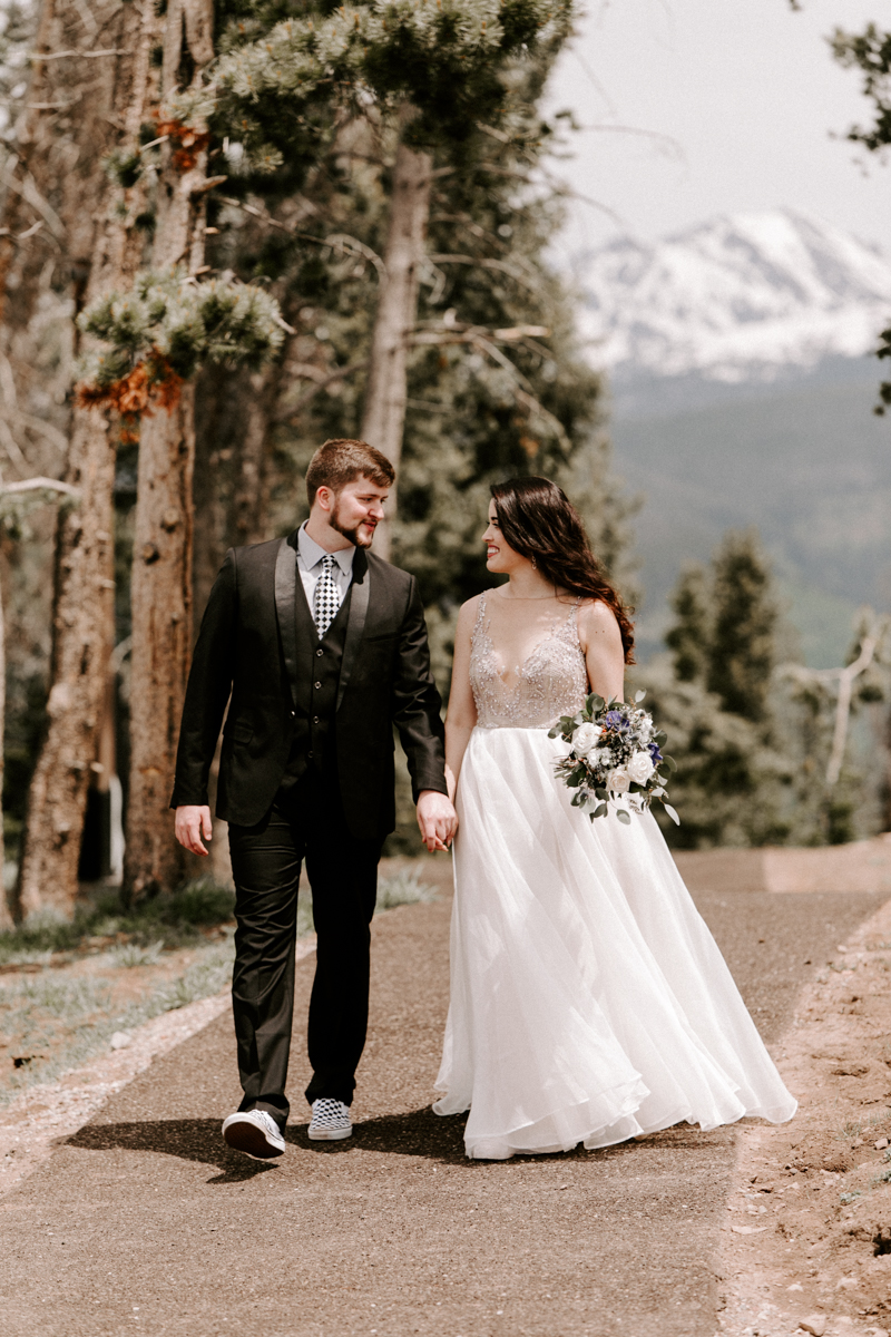 bride + groom couples photography vail luxury wedding colorado rocky moutain elopement-5.jpg