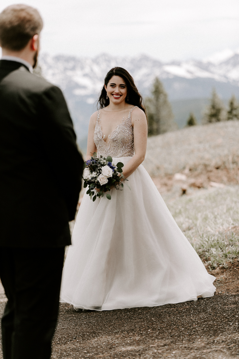 bride + groom couples photography vail luxury wedding colorado rocky moutain elopement-7.jpg