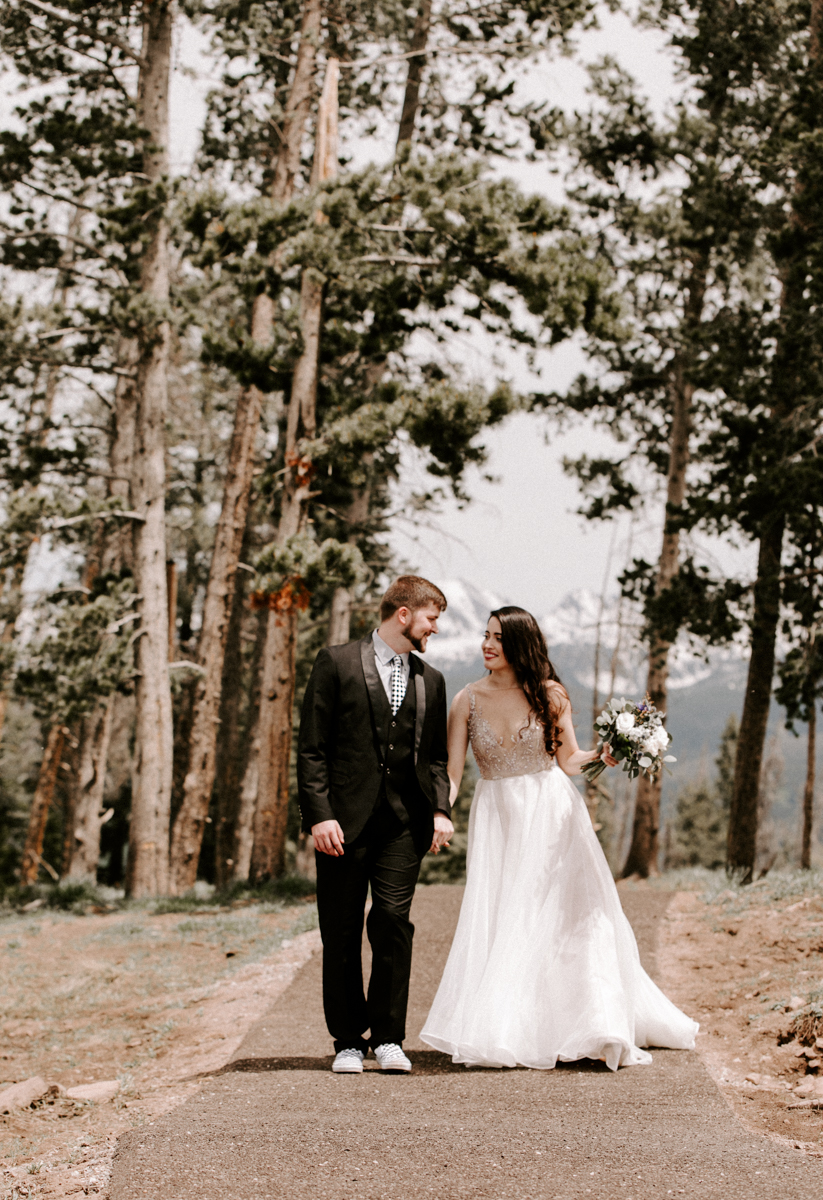 bride + groom couples photography vail luxury wedding colorado rocky moutain elopement-6.jpg