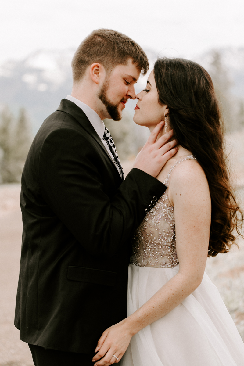 bride + groom couples photography vail luxury wedding colorado rocky moutain elopement-10.jpg