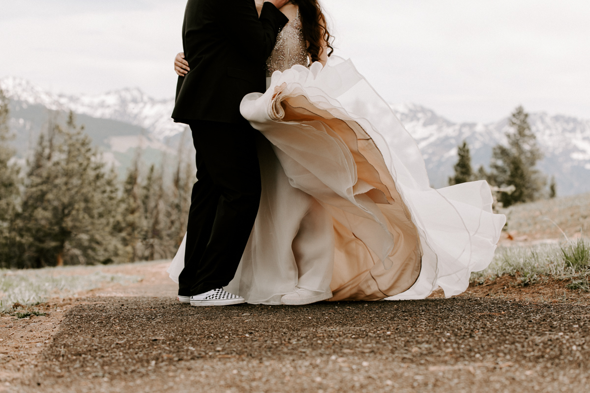 bride + groom couples photography vail luxury wedding colorado rocky moutain elopement-13.jpg