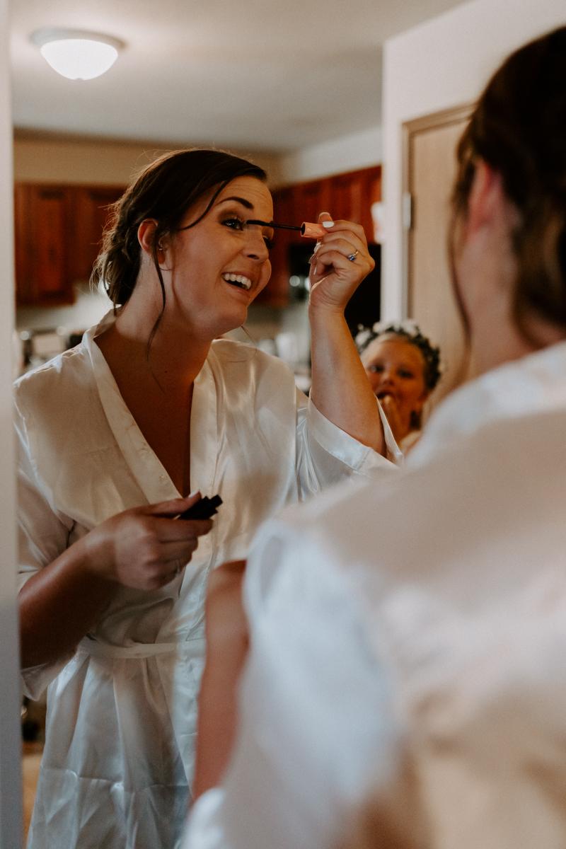 bride getting ready in rifle colorado for wedding day-7.jpg