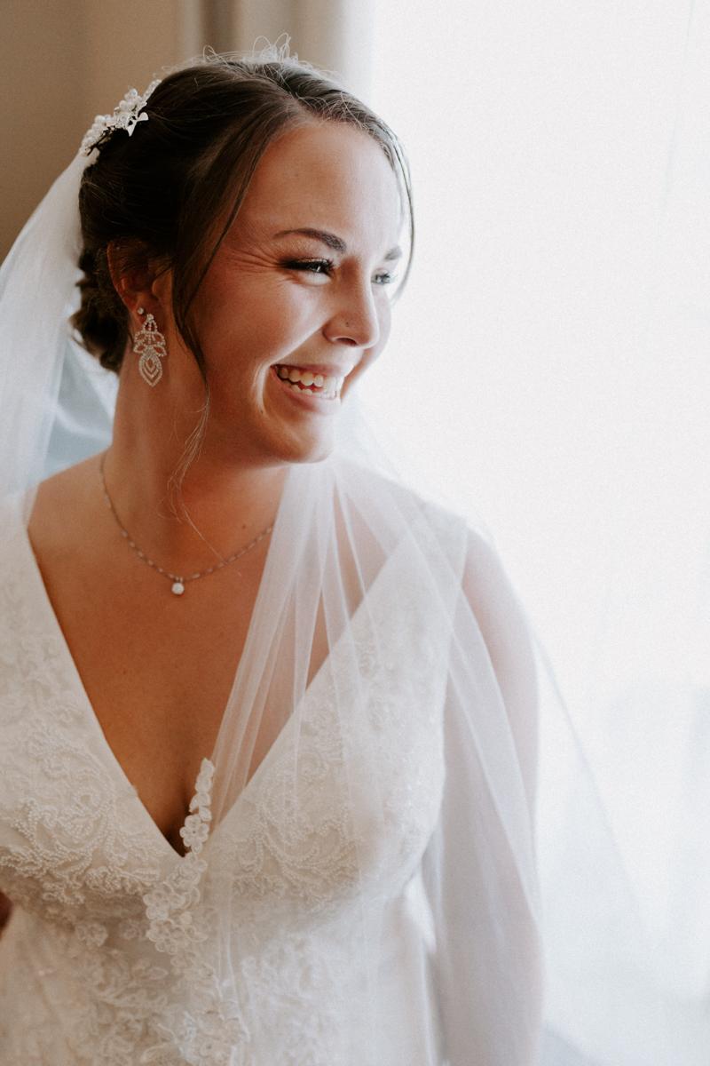 bride getting ready in rifle colorado for wedding day-11.jpg