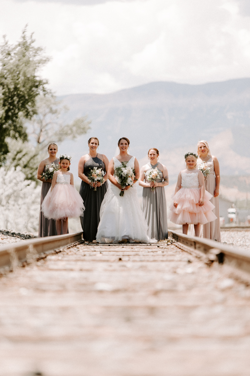 bride party at rifle bridge wedding photography and photographer western slope colorado diana coulter photography-7.jpg