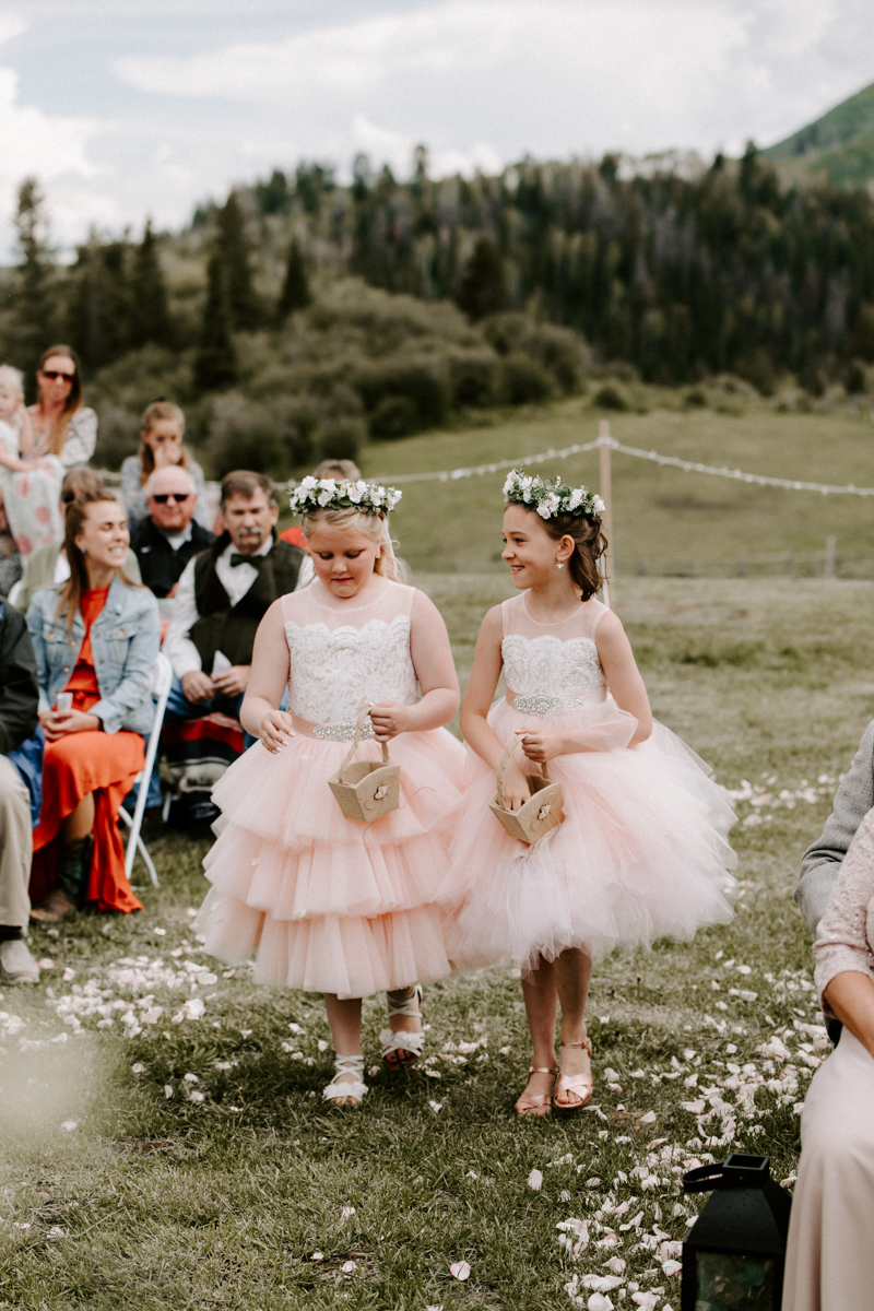 wedding ceremony coulter lake ranch in riflewestern slope wedding photographer colorado diana coulter photography-5.jpg