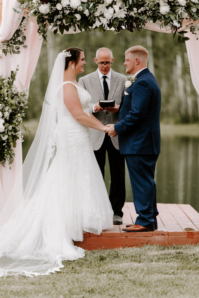 wedding ceremony coulter lake ranch in riflewestern slope wedding photographer colorado diana coulter photography-9.jpg