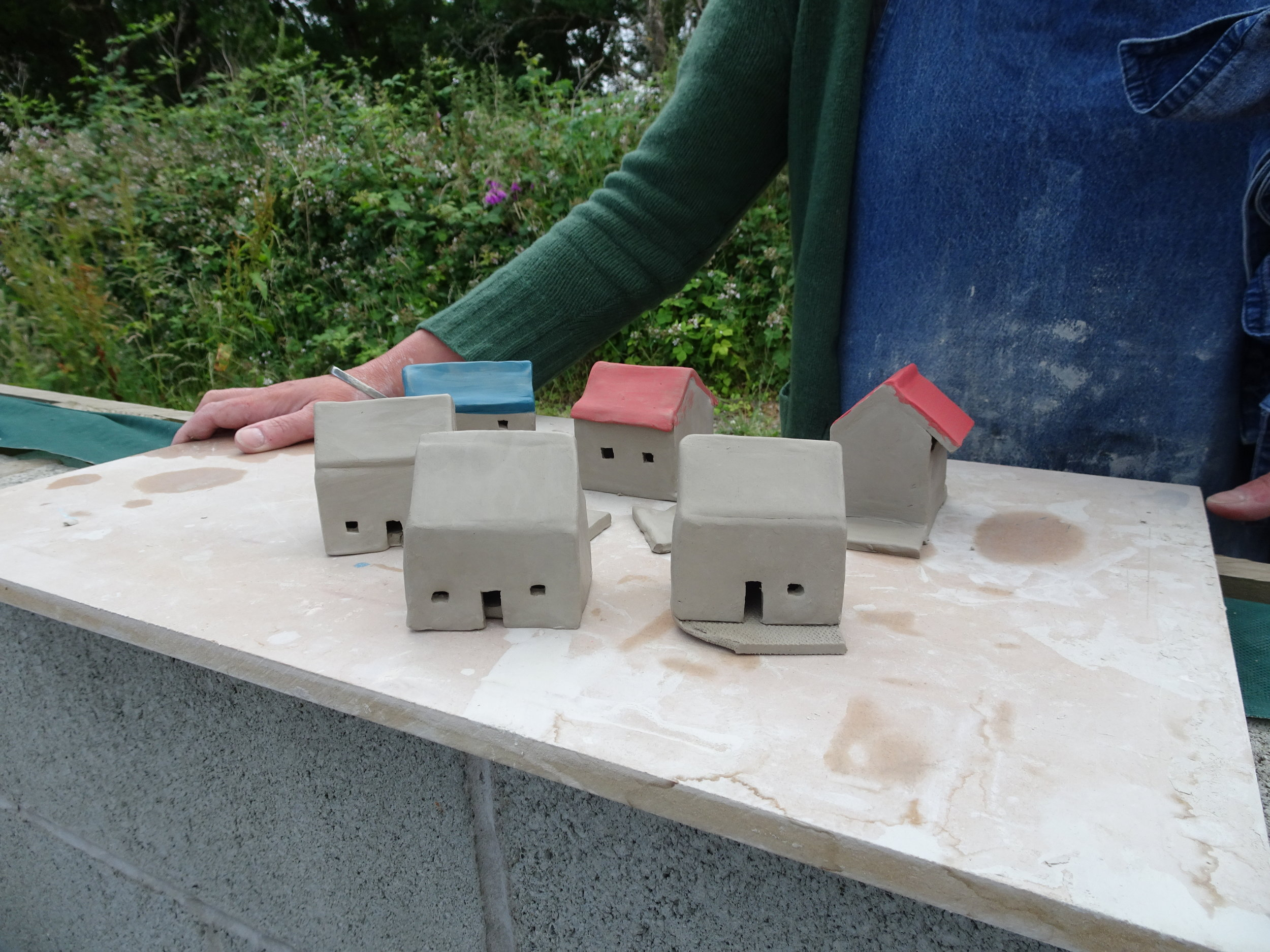 On Saturday afternoon to say Thank You to Sarah who had helped me with the workshops she and I and Sian Tucker who owns Fforest had a little small houses workshop.... I think these might be a fun thing to make next year...... I can see it now..... The Sisterhood Village.......