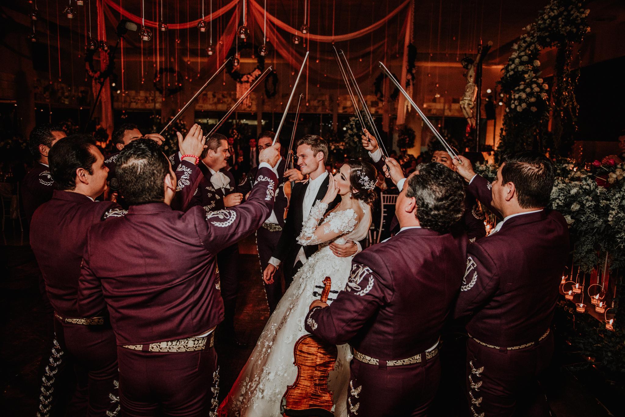 Fotógrafo de Bodas en Guadalajara Fotógrafo de Bodas Guanajuato   Fotógrafo de Bodas Querétaro Fotógrafo de Bodas Los Cabos Mexico Fotos de Bodas Guadalajara Fotos de Bodas Guanajuato
