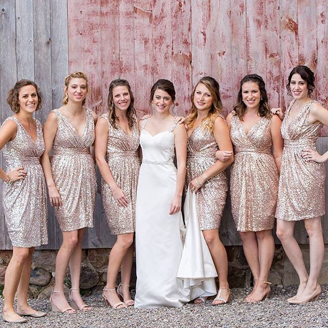 Loved glamming up this Bride and her bridal party back in September! Love all the photos coming back from the amazing @chrisombphotography . Looking forward to working together more this year.