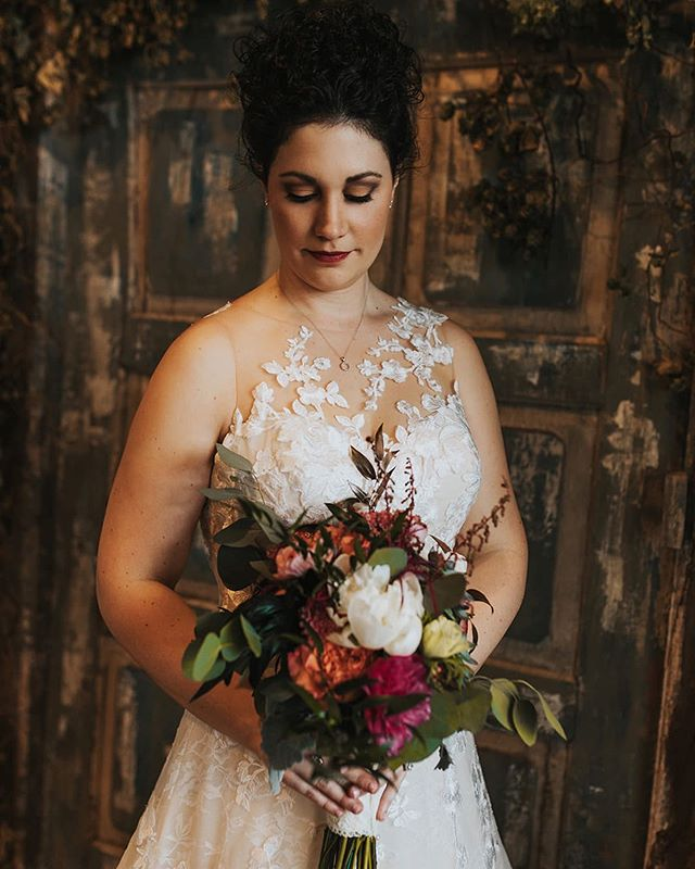 When you get some teasers of your bride @ali.housemules wedding back and woahhhh baby 🔥 @hitchesandunions crushed it. Great team ❤️