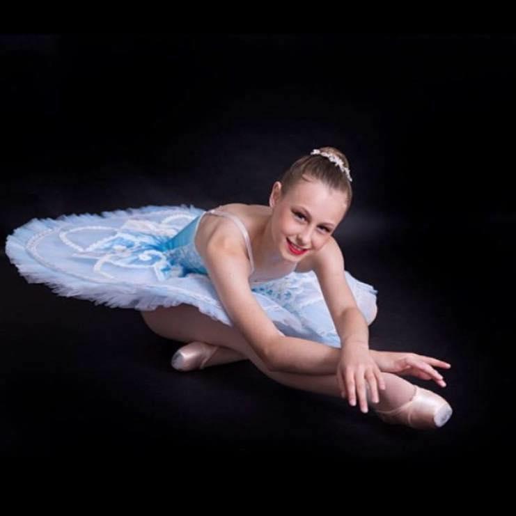 Dianne-McLellan-Dancers-Makenzie-Burridge.jpg