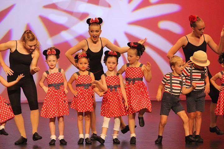 Dianne-McLellan-Dancers-Tinies-2.jpg