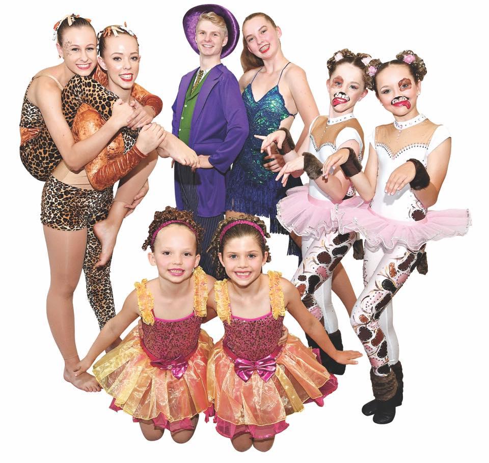 Dianne-McLellan-Dancers-ColorfulCostumers.jpg