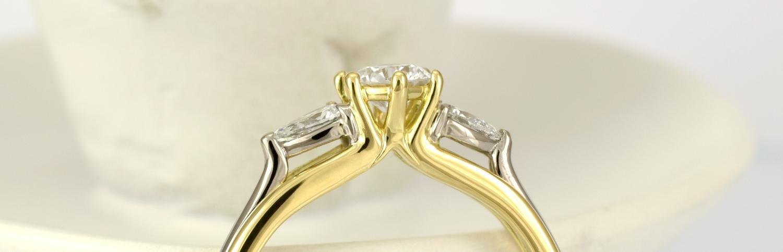 Shoulder settings of the diamonds.