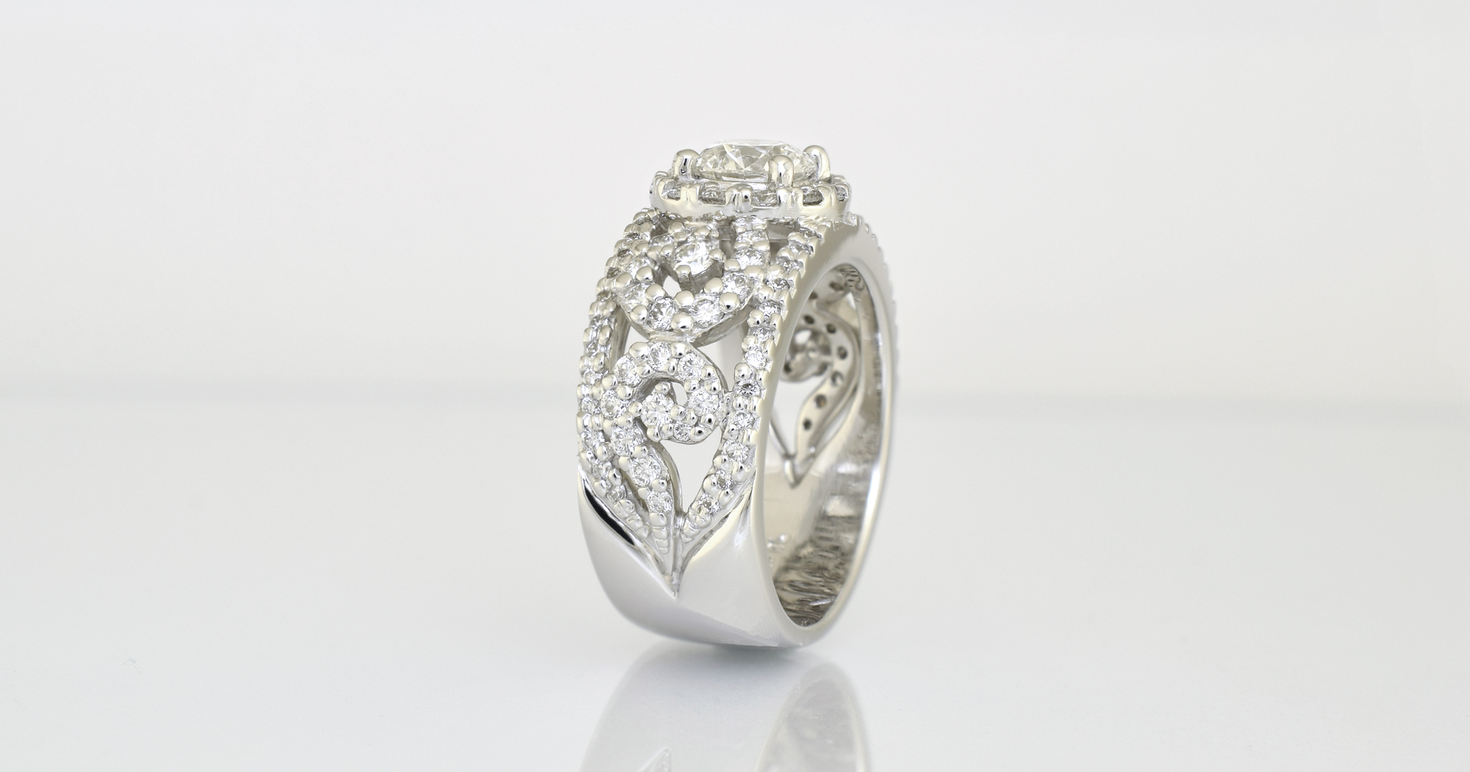 The pendant was made to match the side feature of this ring.