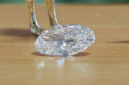 1.51 carat F colour Vs1 clarity diamond.