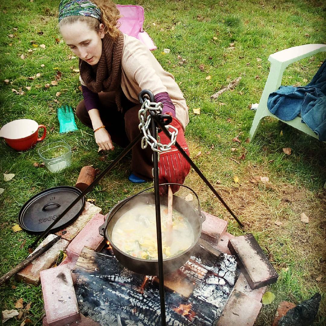 cooking over fire cast iron cooking off grid