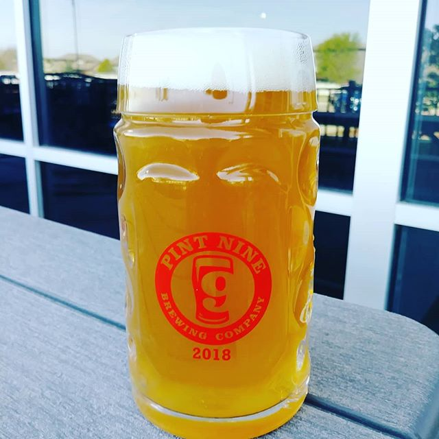 BREAKING NEWS #spring has returned, the #sun is out, and the Grapefruit IPA is back at @pintninebrewing This IPA is 6.3% ABV and has 55 IBU's. Made with Simcoe, Chinook and Amarillo hops. Goes great in a mug! 🍻