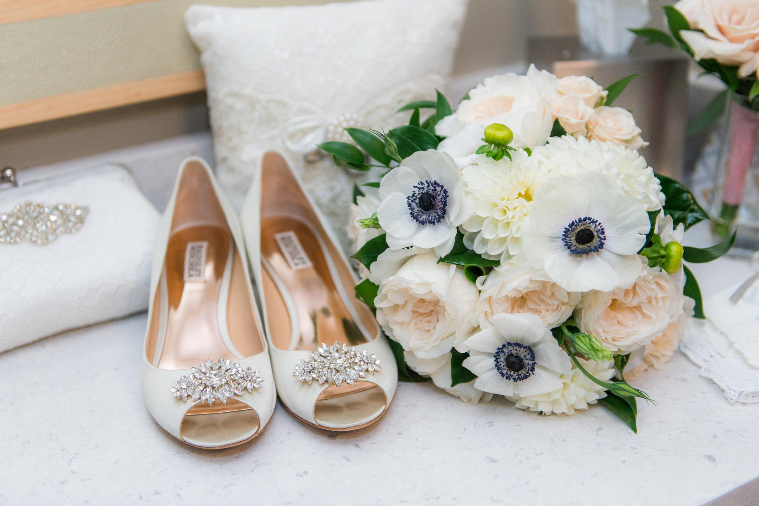 Kayla_Chris_Wedding_WhiteCliffs-33.jpg