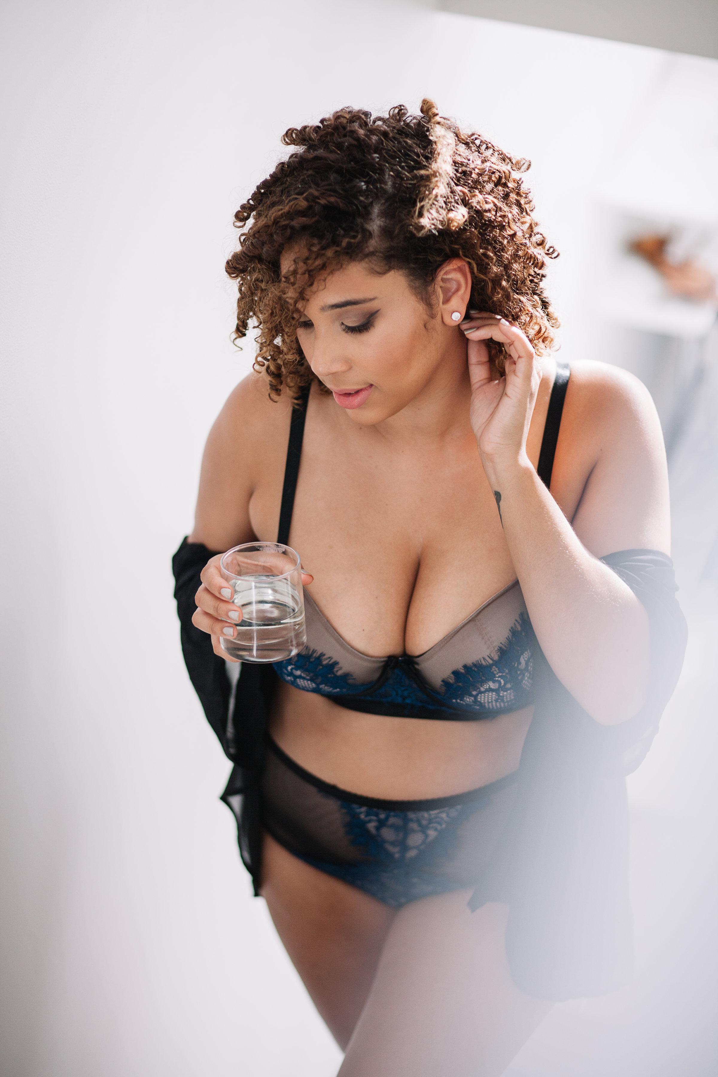 curvy-blogger-intimates.jpg