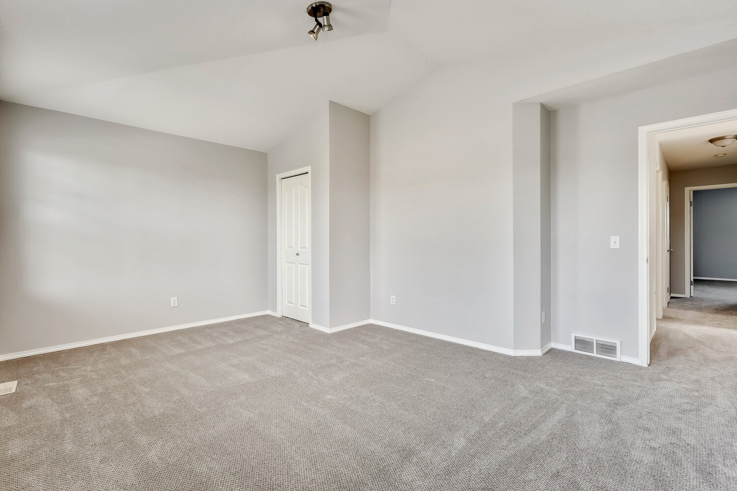 20190523__133 Somerglen Way SW__0012_Before Staging_sm.jpg