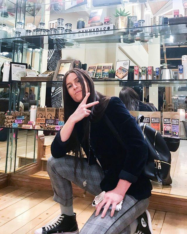 I don't always do Las Vegas, but when I do its with super cool people (@paragoncoin + @paragonspace ) doing super cool things with other super cool people . 😎 . . . . . #mjbizcon #lasvegas #womenofcannabis #hypedyke #cannabiz #highlife #stokedonlife