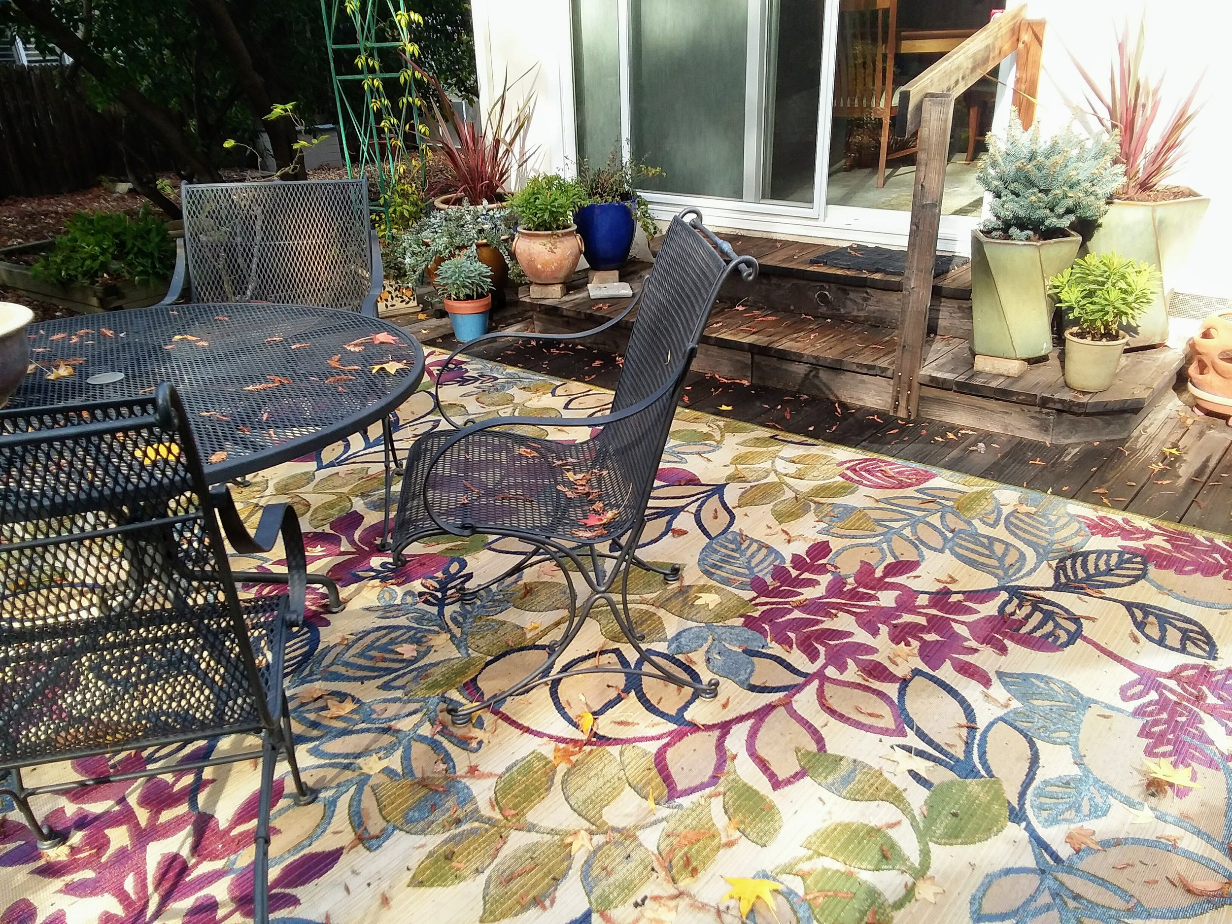 M'lou's back deck showing newly planted pots and area rug on Mon., Nov. 26, 2018-2.jpg