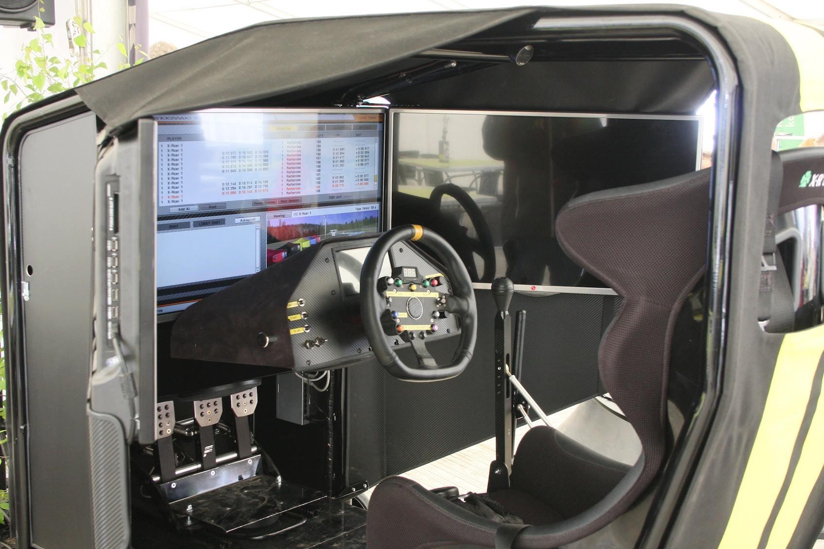 Simulaattori valmiina kuskia varten