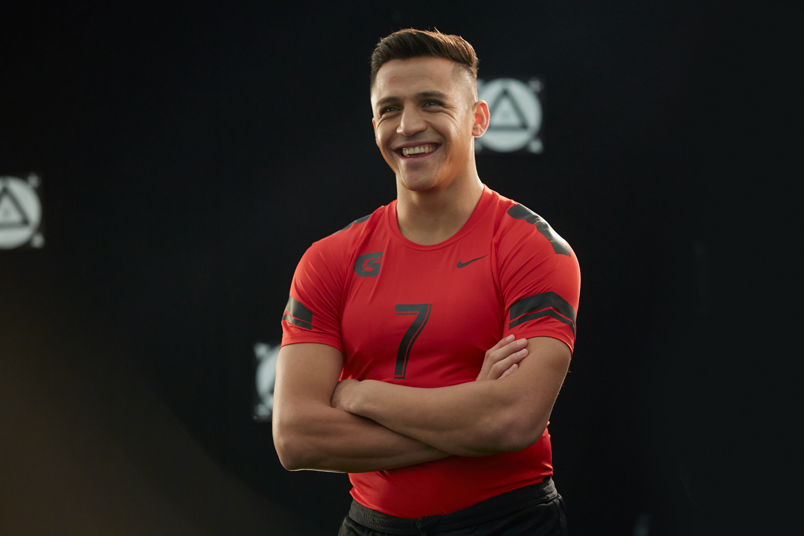 384-BTS-alexis-sanchez-laura-radford-stills-photographer-tv-commercial-advert.jpg