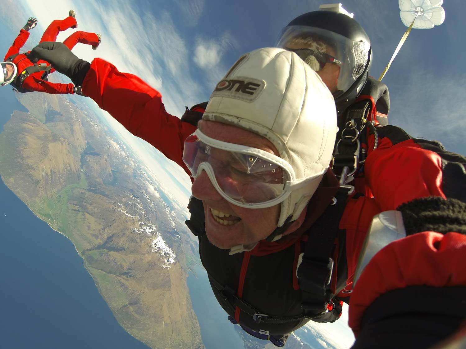 The Poynton SpineCare Institute: Patient Stories - Skydiving