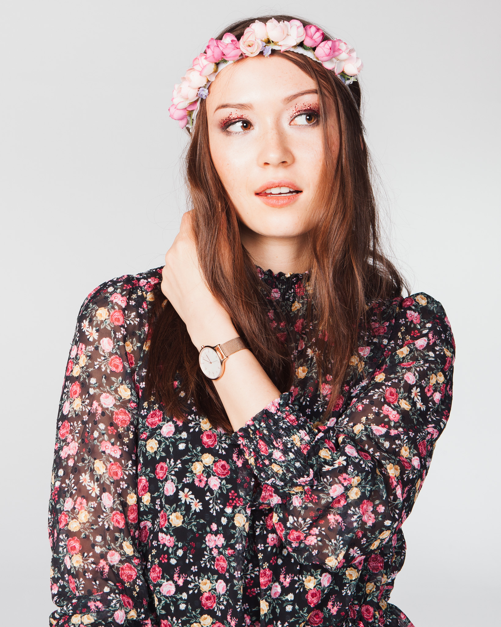 ©TomWoollard_Nintendo_New_Style_Boutique-editorial-fashion-portrait-young-beautiful-woman-flowers-hair.jpg
