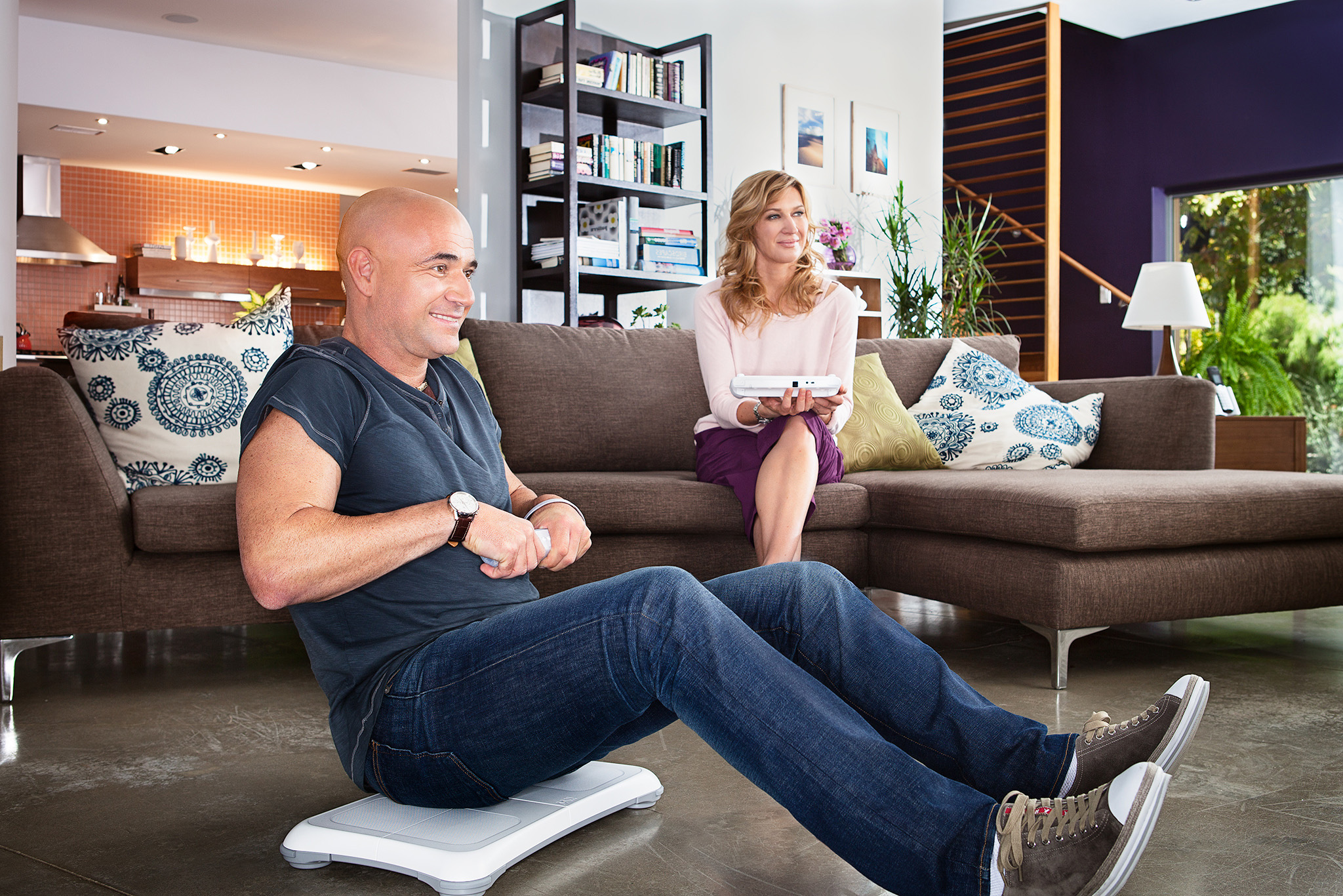 ©TomWoollard_Nintendo_WiiU_Steffi-Graf_Andre-Agassi-commercial-lifestyle-playing-fitness-game-at-home.jpg