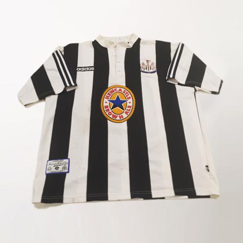 Newcastle 1997 worn by Faustino Asprilla