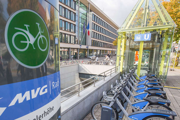 CYCLING  With over 200 km of bike trails, Munich is a very bike-friendly city, with several rent across the city to facilitate your movement.