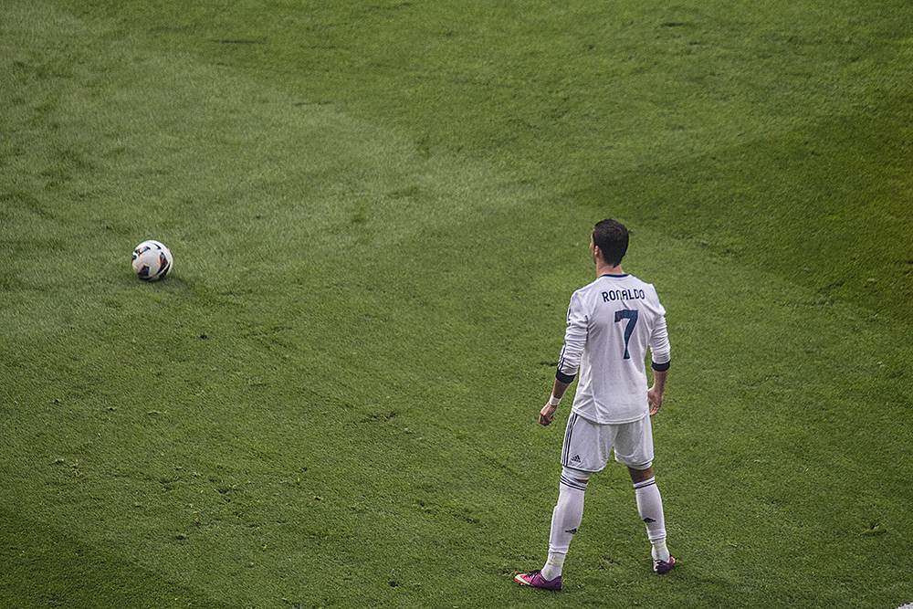 Cristiano with another free-kick change just before the final whistle.