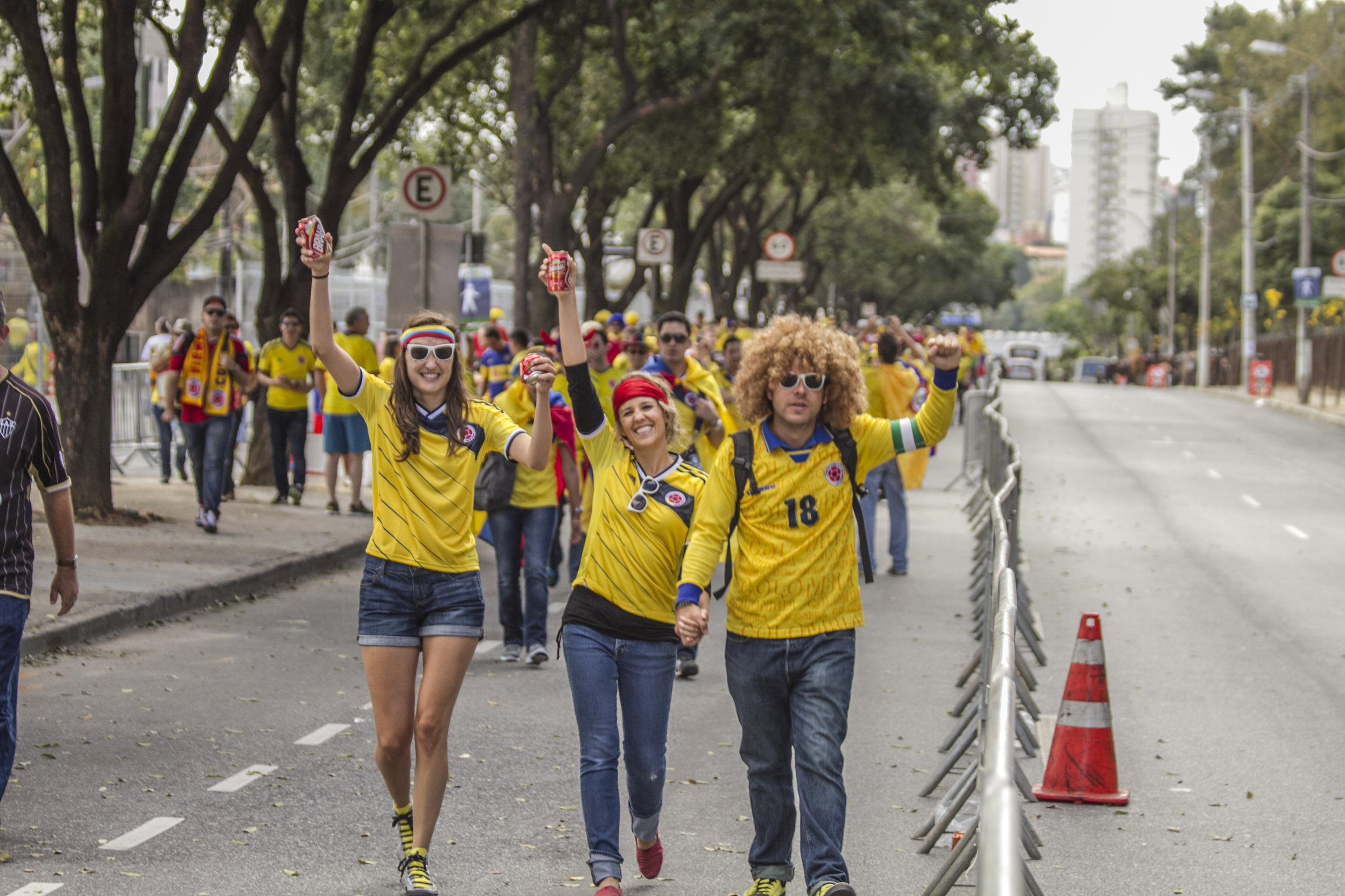 Llegando al estadio Mineirao, gran ambiente por las calles de Belo Horizonte.