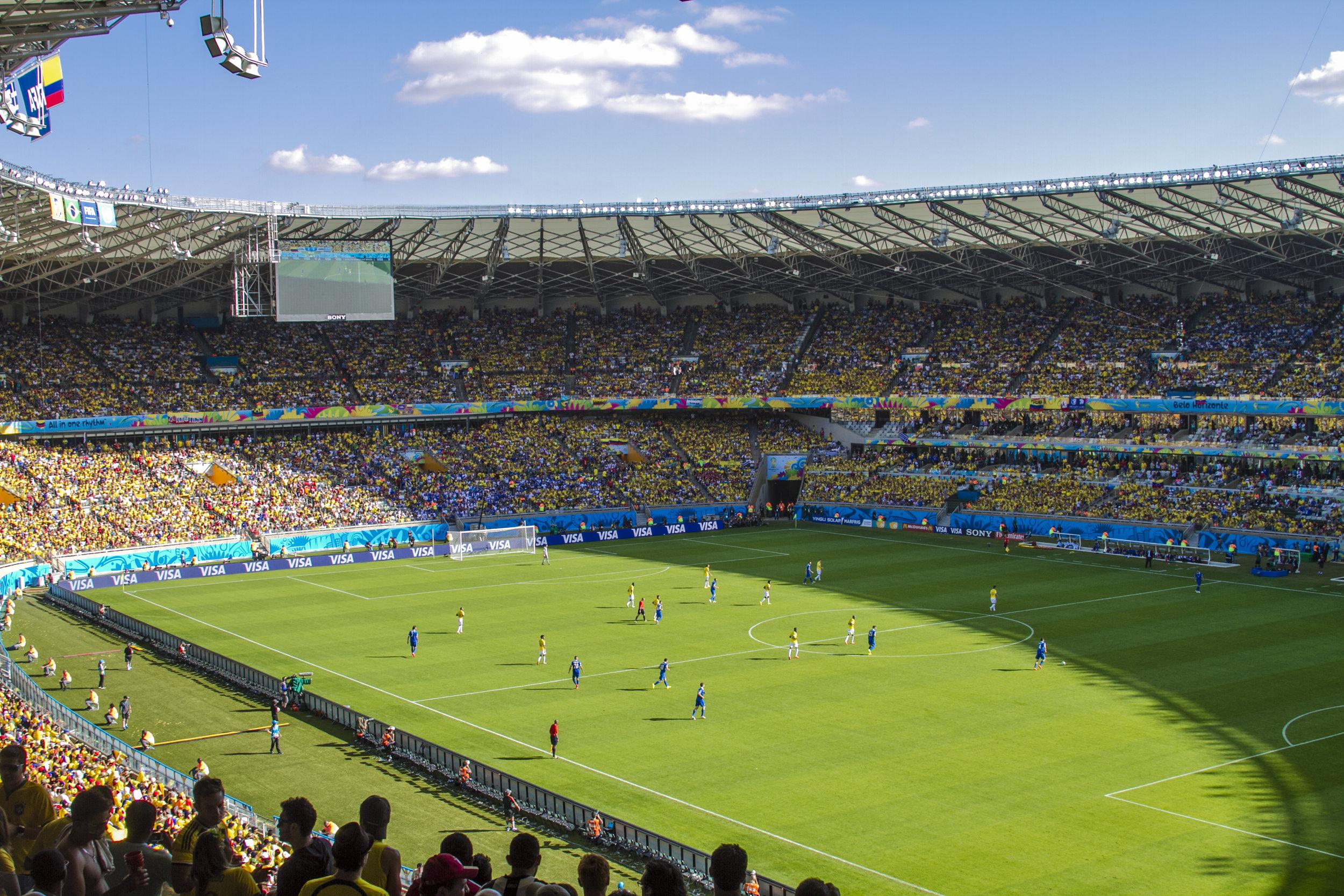 Las tribunas del Mineirao, una sola mancha de camisetas amarillas.