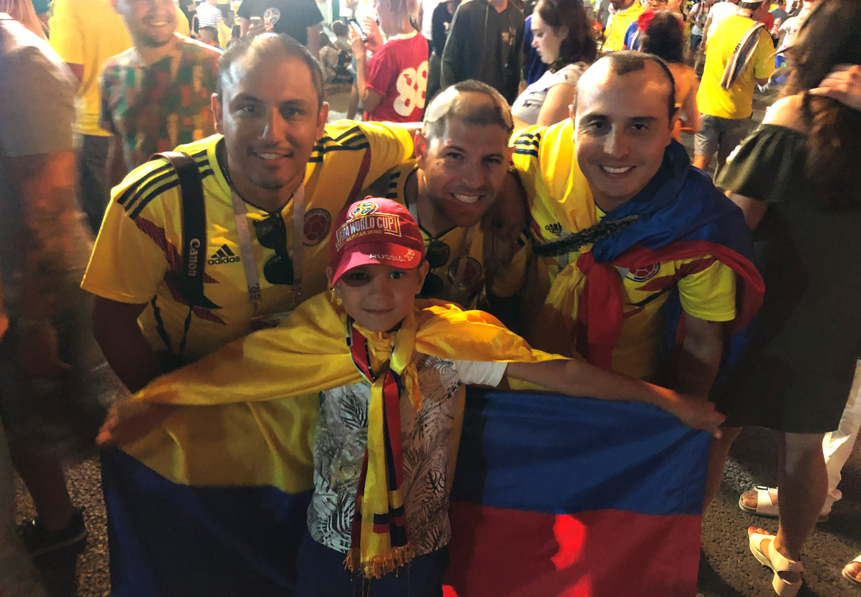 El equipo de Backpacking Football con Zhenia en el FIFA fan fest de Samara.
