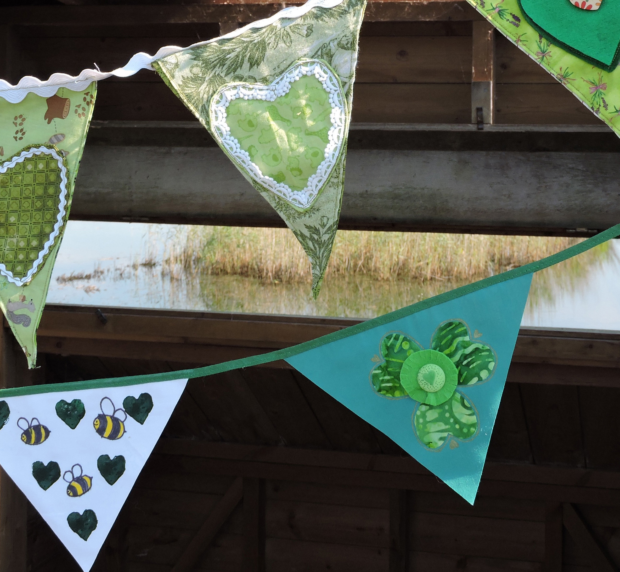 close-up-bunting-2a.jpg