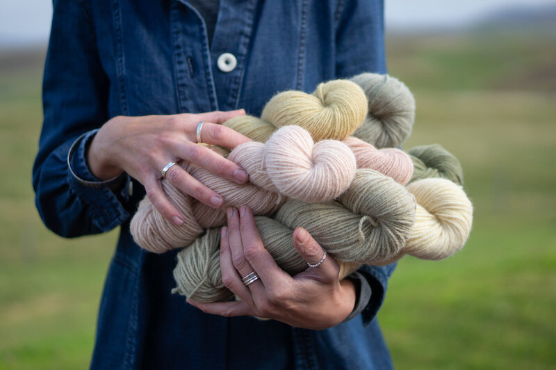 Hanks of naturally dyed Langsoond