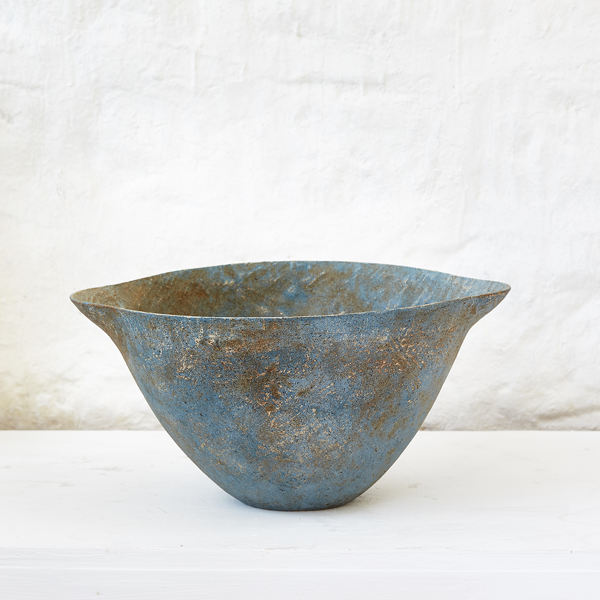 <h2>Large pale blue flared bowl - H19 x W39cm </h2>