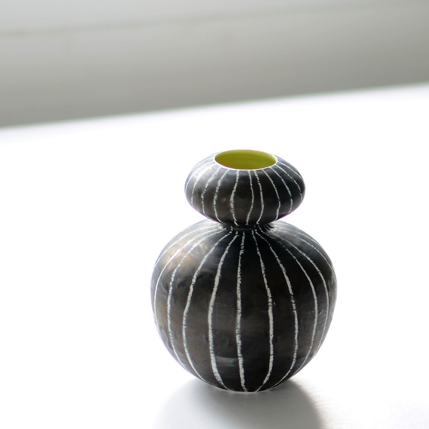Friends vase dark .jpg