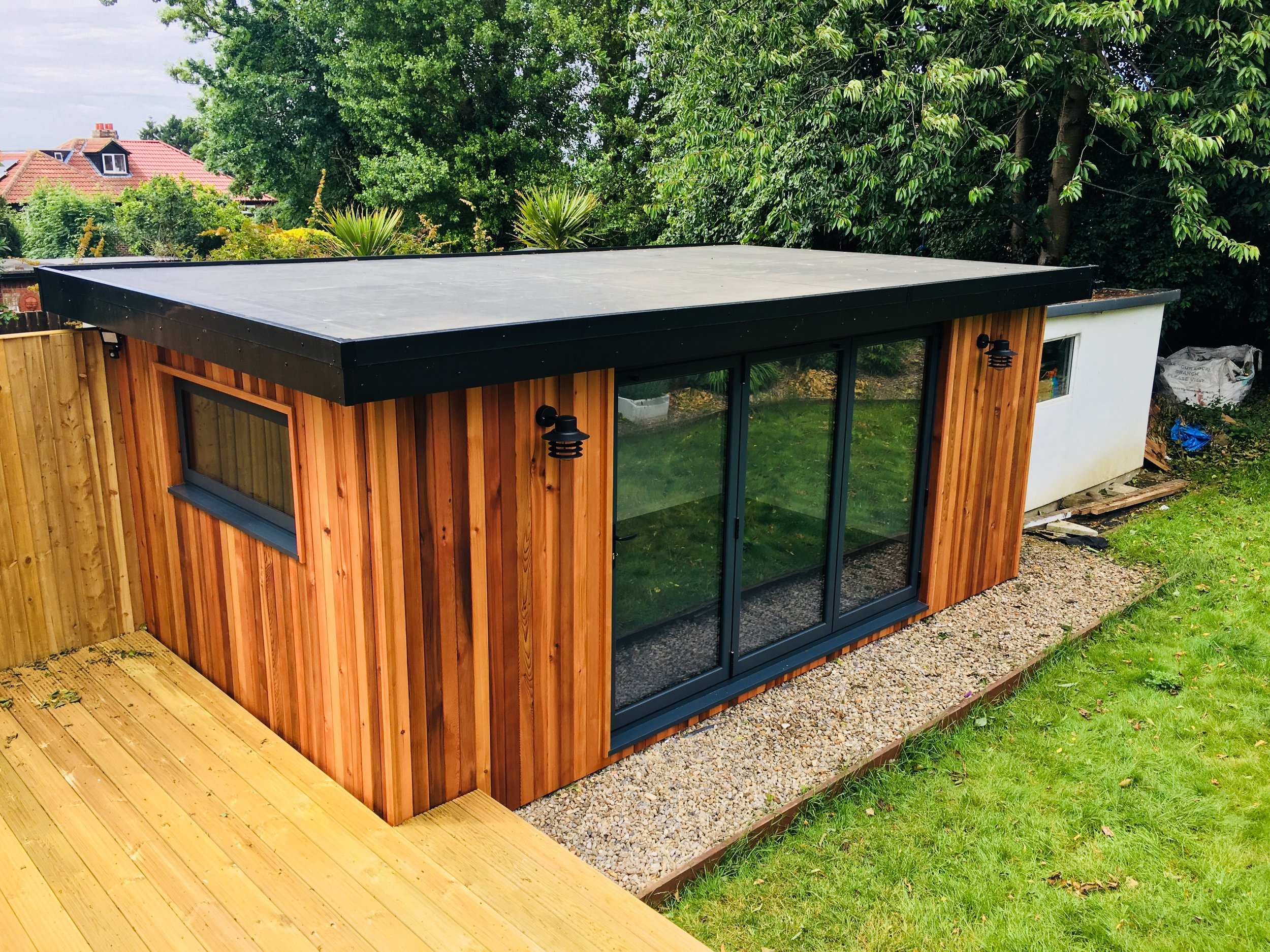 Building For Eco Garden Rooms - Natural Materials And Man-Made Materials