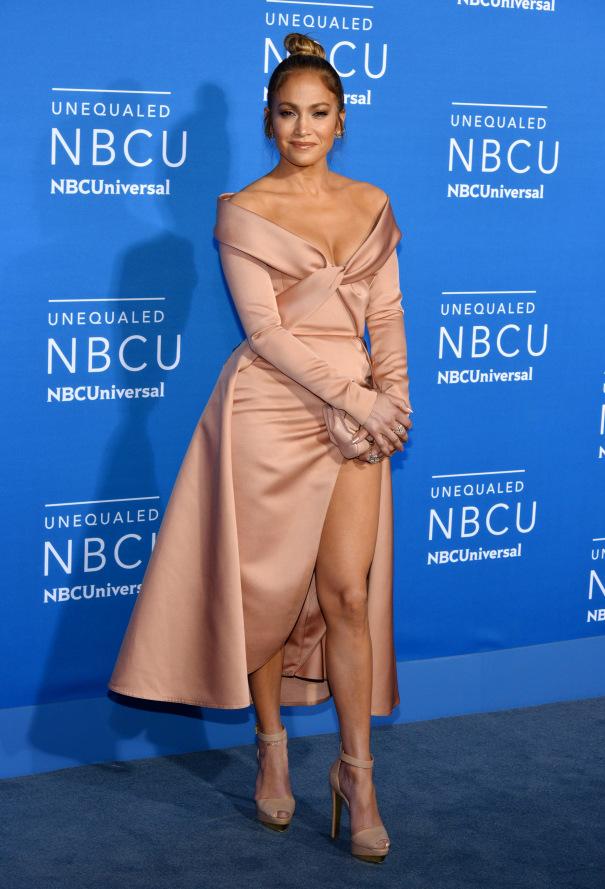 Jennifer Lopez wearing Ellie Saab