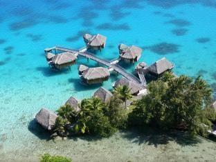 St.George's Caye Resort
