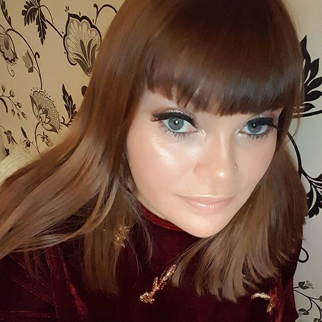 Makeup look from last night used @rimmellondonire psbeauty khroma eye palette @yslbeauty #motn #bubblesbeautyblog #beauty #bblogger #makeup #saturdaynight #beautyproducts #makeupaddict #makeup