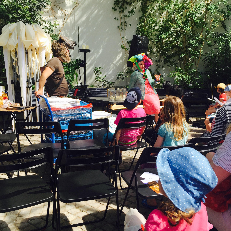 Ein Kindertheater von Andrea und Adrian Schulthess.