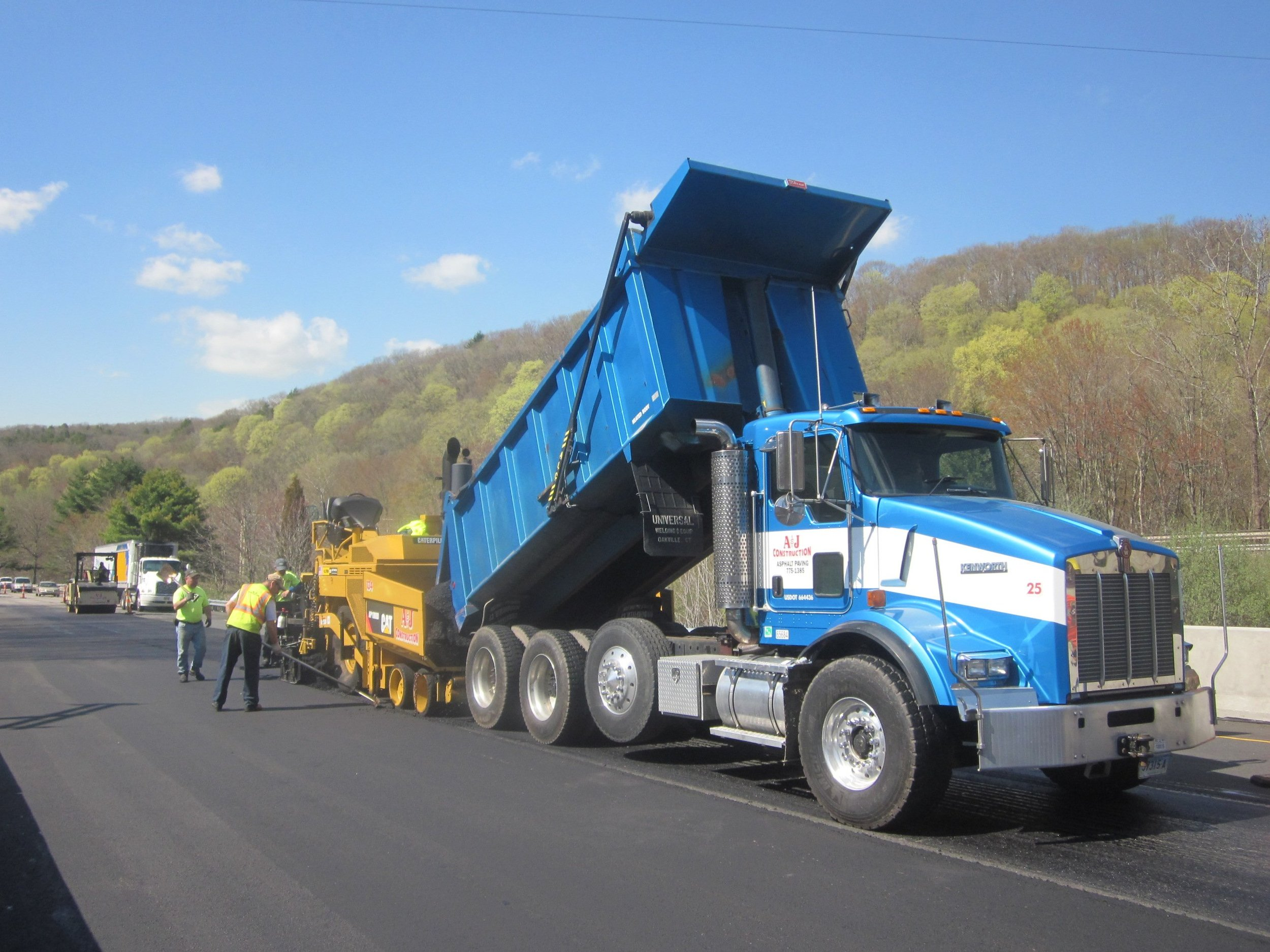 Best heavy hauling equipment rental company in Brookfield, CT