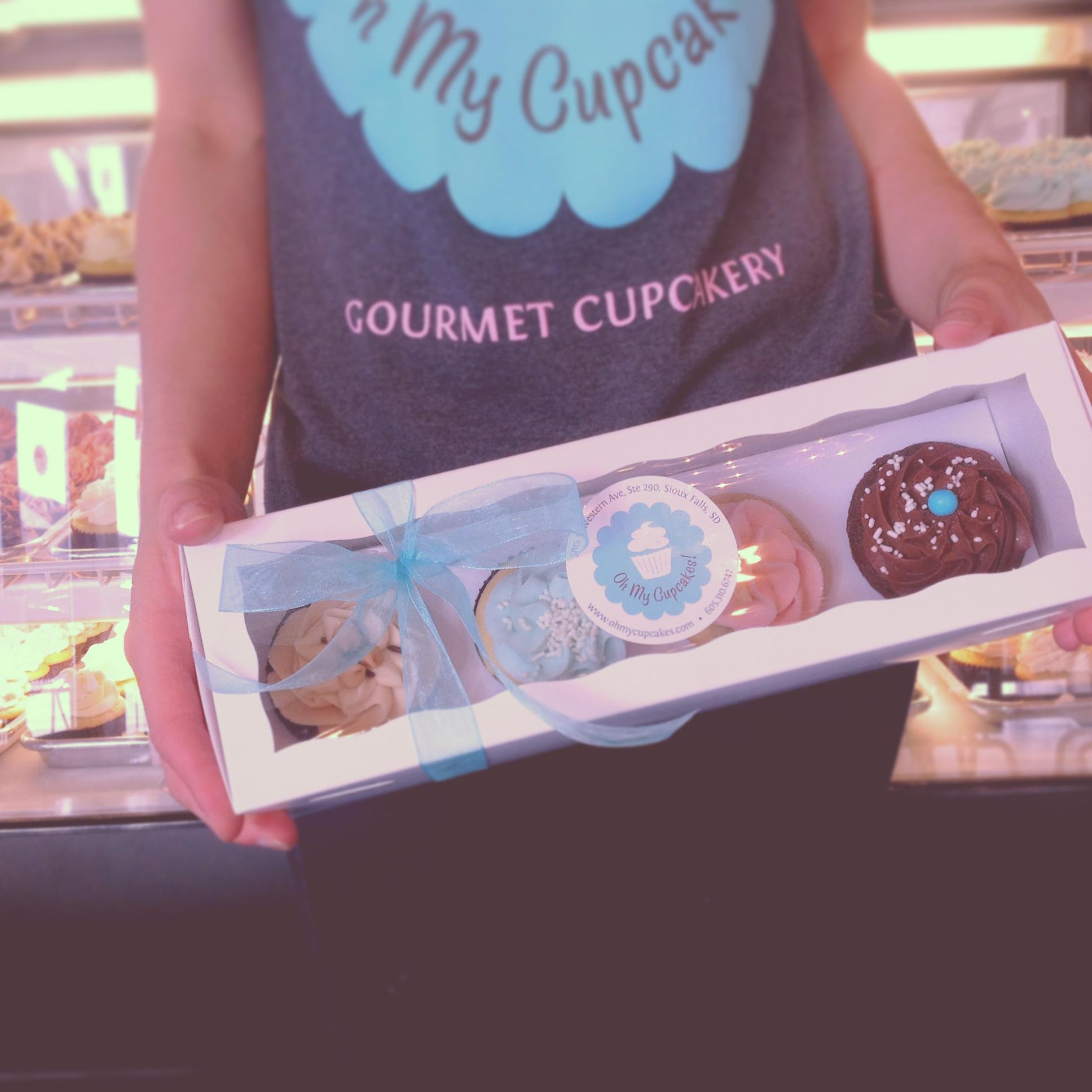 cupcake gift box.JPG