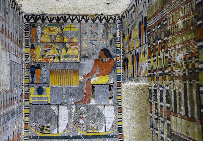 190415091717-02-egypt-khewi-tomb-0413.jpg